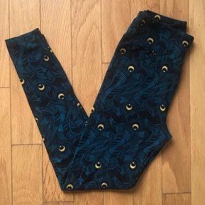 LuLaRoe Feather Design Leggings